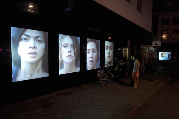 inhale-_-exhale-(3)---Michal-Butink-Foto-paul-Koenen